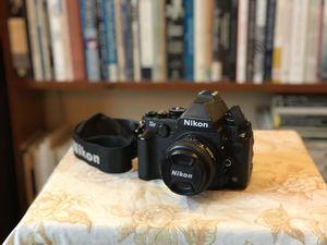 Nikon Df DSLR camera - black body with 50mm 1.4 D Nikkor AF lens for Sale in Seattle, WA