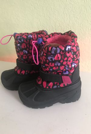 Rain/snow boots for Sale in Fallbrook, CA
