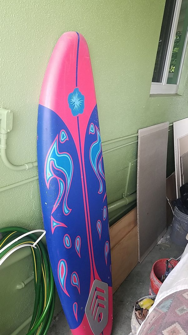 """Surfboard 5'11"""" use bat in good condition"""