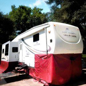 2005 Cedar Creek Silverback 5th Wheel/R. V. for Sale in Houston, TX