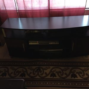 TV stand free for Sale in Tampa, FL