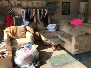 Light tan Sectional Sofa with pull out bed for Sale in Columbia, TN