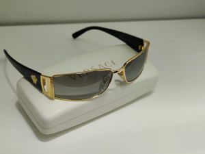 Versace sunglasses for Sale in Wheeling, IL