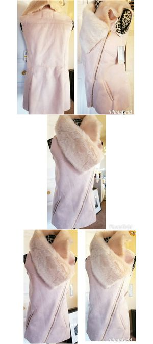 New Pink Fur Winter Vest Size Medium for Sale in Federal Way, WA
