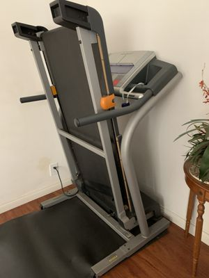 Treadmill Nordictrack C2200 (Make me an offer i can't refuse) for Sale in Santa Ana, CA