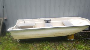 12' Johnson Fiberglass boat w/ motor & accessories for Sale in Monroe, WA
