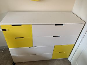 Pick up today for $30!!8 drawer dresser , yellow/white for Sale in Washington, DC