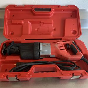 Milwaukee Super sawzall - 15 Amp- Very Good Condition - 6538-21 for Sale in Belmar, NJ