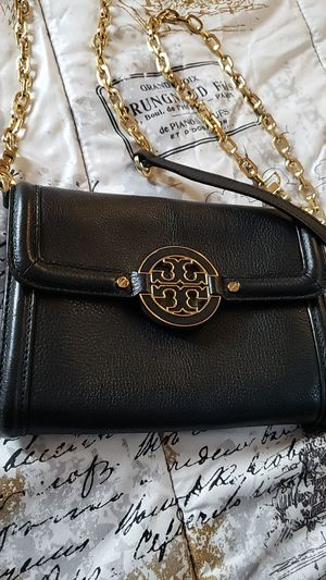Tory Burch crossbody wallet purse leather for Sale in Los Angeles, CA