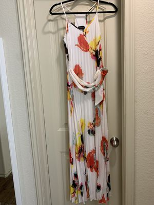 Maxi dress size 1/2 for Sale in Houston, TX