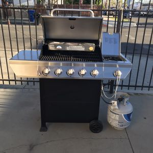 Bbq Grill . Asador De Gas propano for Sale in Sylmar, CA