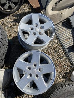 Jeep Wheels 17 Inch (Fits Wrangler) for Sale in Clovis,  CA