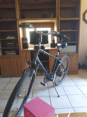 Giant 29 inch off road mountain bike hybrid 500$ in stores for Sale in Fresno, CA
