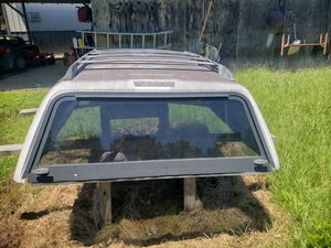 Leer snugtop camper for Sale in Balch Springs, TX