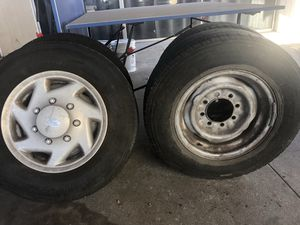 Tires LT 225/75R16 for Sale in South Gate, CA