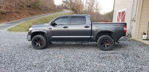 2017 Toyota tundra 4x4 crew max mint for Sale in Parrottsville, TN