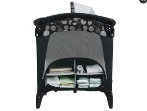 Graco Pack'N Play Playard with Newborn Napper Bassinet LX for Sale in Scottsdale, AZ