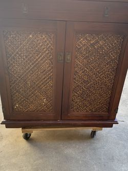 Vintage Wine Cabinet for Sale in East Los Angeles,  CA