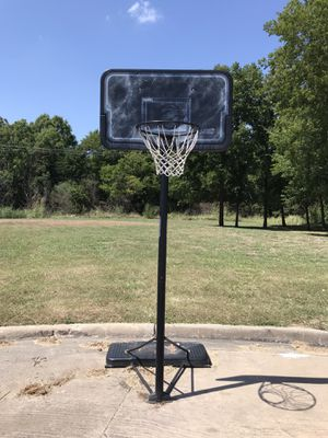 Basketball hoop with stand for Sale in Seagoville, TX