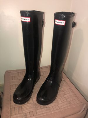 women's Hunter Rain boots (size 8) for Sale in Moon, PA