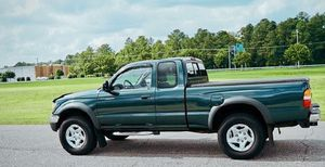 2002 Toyota 4WD tacoma for Sale in Indianapolis, IN