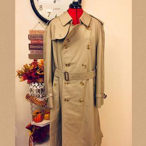 Vintage Burberry Trench Coat Men's Size 54 Regular for Sale in Seminole, FL