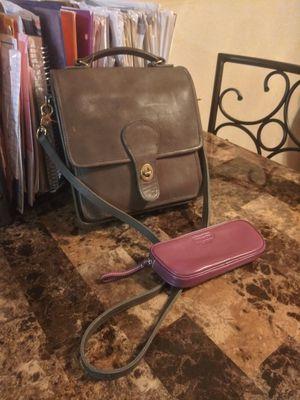 Vintage COACH Olive Green Leather front flap turn lock messenger crossbody shoulder bag purse & makeup bag for Sale in Phoenix, AZ