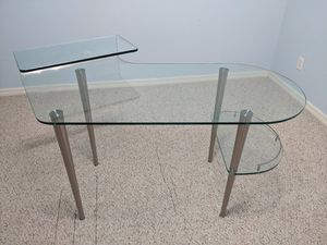 Computer Glass Desktop table excellent condition for Sale in Orlando, FL
