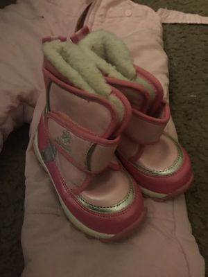 Old navy kids size 12-18 months snow boots for Sale in El Cajon, CA
