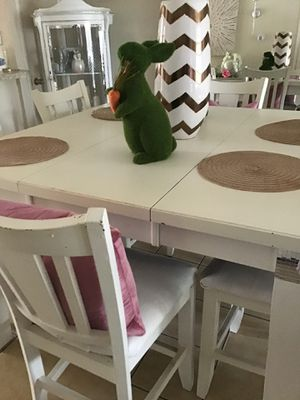Table 6 chair for Sale in Concord, CA
