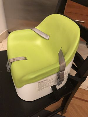 Baby booster seat with straps for Sale in New York, NY