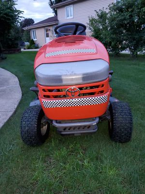 """Tractor lawnmower 15hp42"""" for Sale in Des Plaines, IL"""