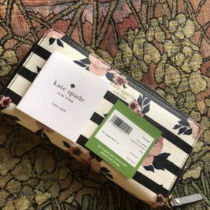 NEW FLORAL KATE SPADE for Sale in North Las Vegas, NV