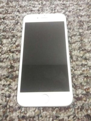 iPhone 6 $450 for Sale in New Hradec, ND