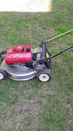 2 Honda 2 speed self-propelled lawn mowers with BBC 125 each Poulan Pro backpack type blower $125 for Sale in Wichita, KS