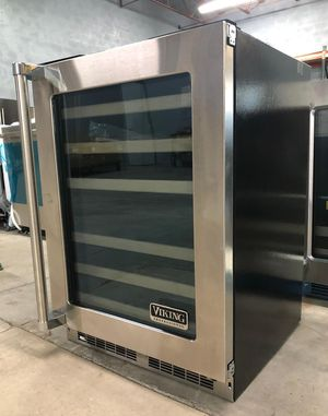 "NEW 2018 Viking Beverage Wine & Center Under Counter Refrigerator 24"" vbui5240gr for Sale in Saint Petersburg, FL"