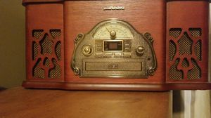 Turntable,Am/fm Radio, Cd,Aux Input for Sale in Tinton Falls, NJ