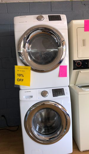 White Samsung front load washer and dryer set for Sale in Woodbridge, VA