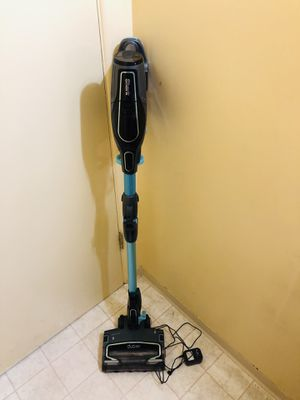 Shark DuoClean Multiflex Cordless Vacuum Cleaner for Sale in Tacoma, WA