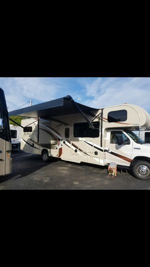 Gorgeous 2017 class c motorhome, REDUCED!Thor Four Winds 31E Bunks! for Sale in Lockport, NY