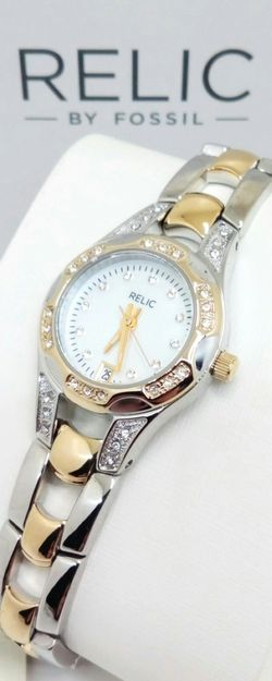Fossil Relic Women's Stainless Steel Water Resistant Quartz Watch Brand New in Box w Warranty for Sale in Boca Raton,  FL