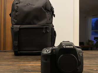 Canon 7D MKI w/ FREE Camera Bag for Sale in Milwaukie,  OR