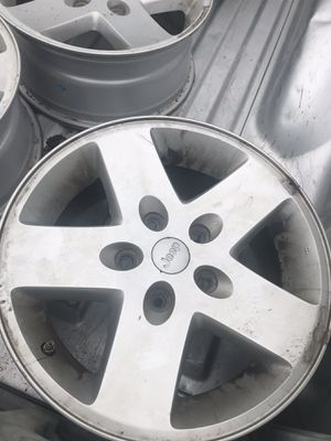 """17"""" Jeep wheels. Set of five (1 with 265/70R17 tire) for Sale in Ruther Glen, VA"""