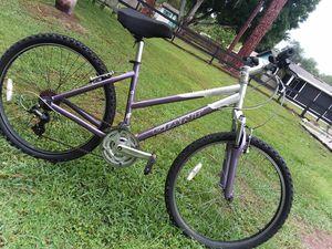 Girls Giant bike great shape for Sale in Ruskin, FL