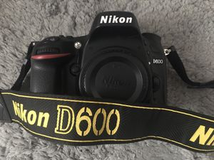 Nikon D600 FX for Sale in Los Angeles, CA