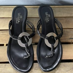 SBICCA Sandals Low Heel 7.5 for Sale in Snohomish, WA