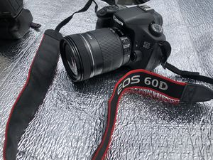 Canon EOS 60D w/Extras for Sale in Long Beach, CA