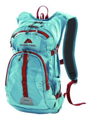 Ozark Trail 23L Riverdale Hydration Backpack for Sale in Bolingbrook, IL