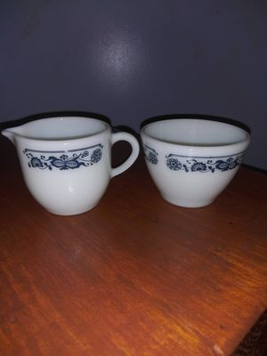 Vintage pyrex cream and sugar for Sale in Onalaska, WA