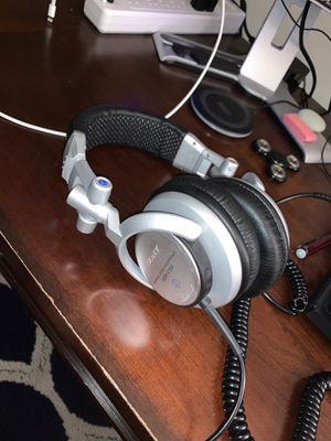 Sony mdr-v700 headphones professional for Sale in Fairfax, VA